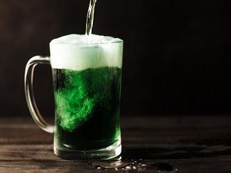 Zelené pivo{lang}Green beer