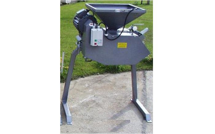 mačkač sladu MMR-1000