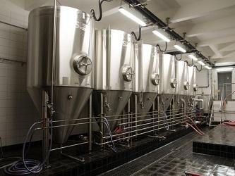 CKT a ležácké tanky pro pivovar Hradecký Klenot{lang}CKT and bright beer tanks for the Hradecky Klenot Brewery